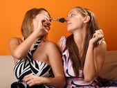 Women preparing make up — Stockfoto