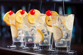 Tom Collins Cocktails  in bar — Stock Photo