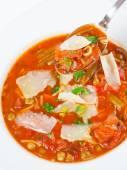 Soupe minestrone avec cuillère — Photo