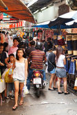 Busy market street in Bangkok — Stock Photo