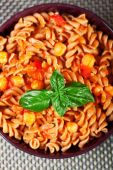 Fusilli pasta with chick-peas — Foto Stock