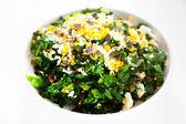 Spinach salad in plate — Zdjęcie stockowe