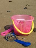 Secchiello spiaggia con pala — Foto Stock
