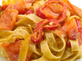 Tagliatelle with Salmon and Peppers — Стоковое фото