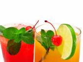 Wild Cherry and Operation Recoverer Cocktails — Stock Photo