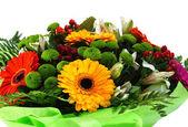 Boeket van bloemen in pakket — Stockfoto