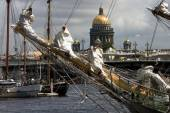 Ships at Neva river, St.Petersburg, Russia — Stock Photo