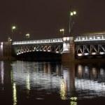 Dvortsovy Bridge — Stock Photo #52362385