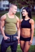 Fitness couple on a street workout — Fotografia Stock