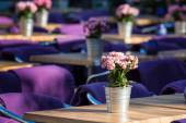 Fine Banquet Table Setting With Bouquet — Stock Photo