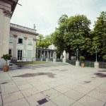 The Lazienki palace in Lazienki Park, Warsaw. Lazienki Krolewski — Stock Photo #77734176