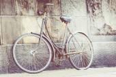 Classic vintage retro city bicycle in Copenhagen, Denmark — Stock Photo
