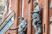 Sculptures on the facade of the House of Blackheads in Riga, Lat — Stock Photo