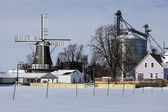 Windmühle in golden, illinois — Stockfoto