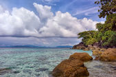 Beach with rocks and blue sky at Trat Thailand — Stock Photo