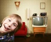 Little boy in vintage room — Stok fotoğraf
