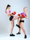 Two women boxing — Foto Stock
