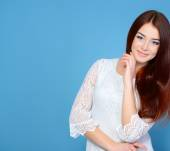 Young attractive woman — Stock Photo