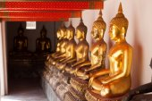 Buddha golden yellow — Stockfoto