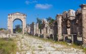 Ruins of ancient Roman Triumphal Arch, Tyre, Lebanon — Stock Photo