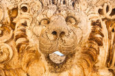 Lion head sculpture at rancient Roman Empire ruins in Baalbeck, Lebanon — Stock Photo