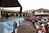 """Nessebar - 18 giugno: """"sole, gioia, bellezza"""" 15 ° international festival per bambini su 18 giugno 2014 a nessebar, bulgaria. inizia il 15 giugno. — Foto Stock"""