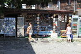 NESEBAR, BULGARIA - AUGUST 29: People visit Old Town on August 29, 2014 in Nesebar, Bulgaria. Nesebar in 1956 was declared as museum city, archaeological and architectural reservation by UNESCO. — Foto Stock