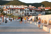 Sveti vlas - august 29: yachthafen marina dinevi, august 29, 2014. sveti vlas ist eine stadt und seebad auf der schwarzes meer küste bulgarien befindet sich in nessebar, burgas provinz. — Stockfoto