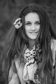 Ritratto outdoor ragazza adolescente — Foto Stock