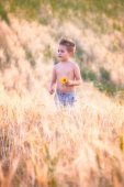 5 year old boy outdoor — Stock Photo
