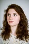 Echte jonge vrouw — Stockfoto