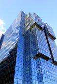 Moderne glas wolkenkrabber — Stockfoto