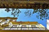 Walls, roof,sky — Stock Photo