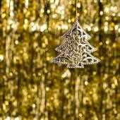 銀のクリスマス ツリーの飾り — ストック写真