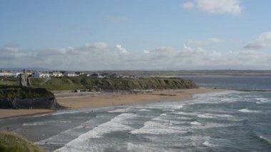 Breezy summer day at Ballybunion beach — Stock Video