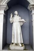 Alte Statue aus einem irischen Kloster — Stockfoto