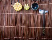 Yemek çubukları. arka planda iki chopssticks — Stok fotoğraf