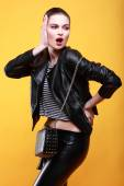 Beautiful fashion girl — Stock Photo