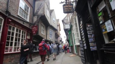 York, England, 22 June, 2015, tourists visiting the city. — Stock Video