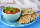 Vegetable ragout dip from eggplant and tomato with crisps — Stockfoto
