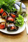 Vegetable saute fried eggplant rolls with tomatoes — Foto de Stock