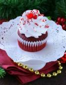 Festive red velvet cupcakes Christmas table setting — Stock Photo
