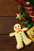 Aus Holz Weihnachten Hintergrund mit Tannen-Zweigen und Dekoration — Stockfoto