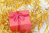 Jul sammansättning med presentask och dekorationer — Stockfoto