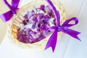 Petals arranged in a basket for the wedding ceremony. — Stock Photo