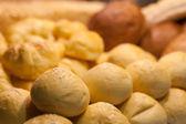 Variety of bread on buffet line — Foto de Stock