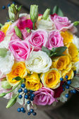 Colorful bouquet of roses to wedding arrangements. — Stock Photo