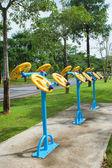 Sabah egzersiz ekipman Tayland at-genel Park — Stok fotoğraf