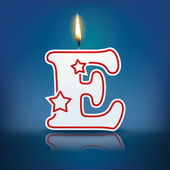 Candle letter E with flame — 图库矢量图片