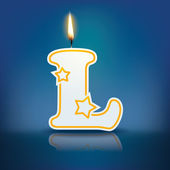 Candle letter L with flame — Stockvektor
